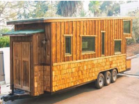 A Couple Built Their Own Cottage On Wheels
