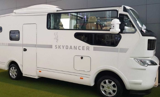 The World's First Convertible Motorhome